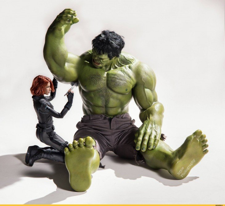 hulk depilandosel en versión irónica de Edy Hardjo.
