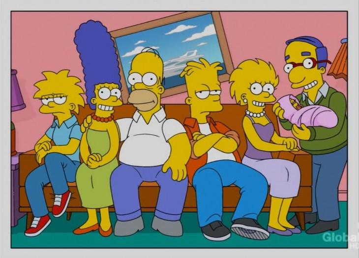 Zia Simpson en brazos de Milhouse