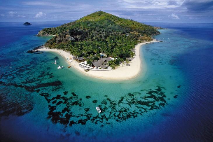 Fotografía tomada desde lejos de las islas Fiji en el océano pacífico
