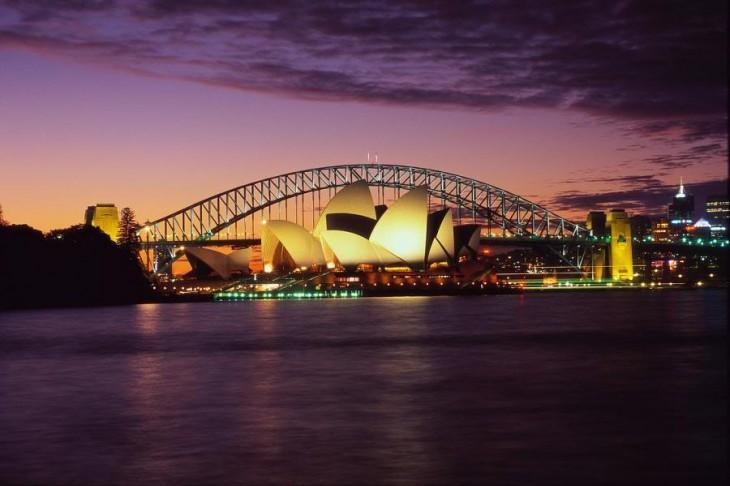 fotografía de un puente ubicado en Sidney, Australia