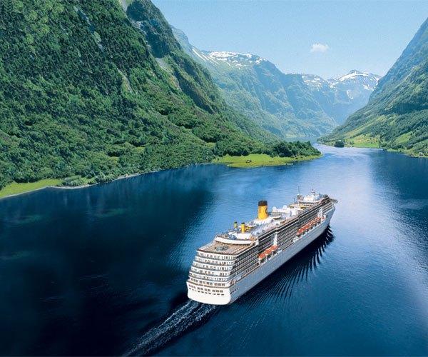 Paseo en barco por los fiordos de Bergen, Noruega
