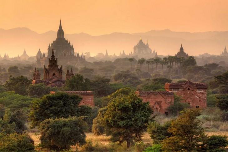 Imágen de la ciudad Bagan, Myanmar tomada a distancia
