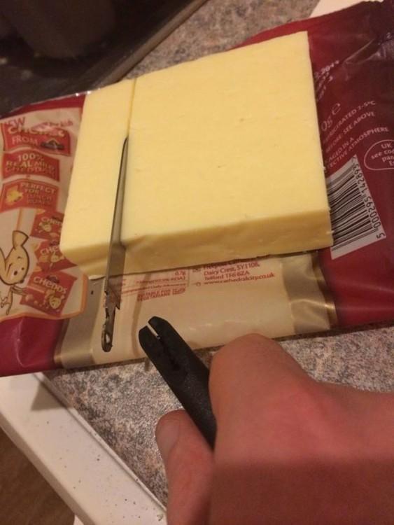 Un cuchillo se desarma al intentar partir algo