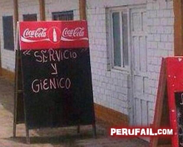 Letrero de coca cola con palabras que ahí se brinda un servicio