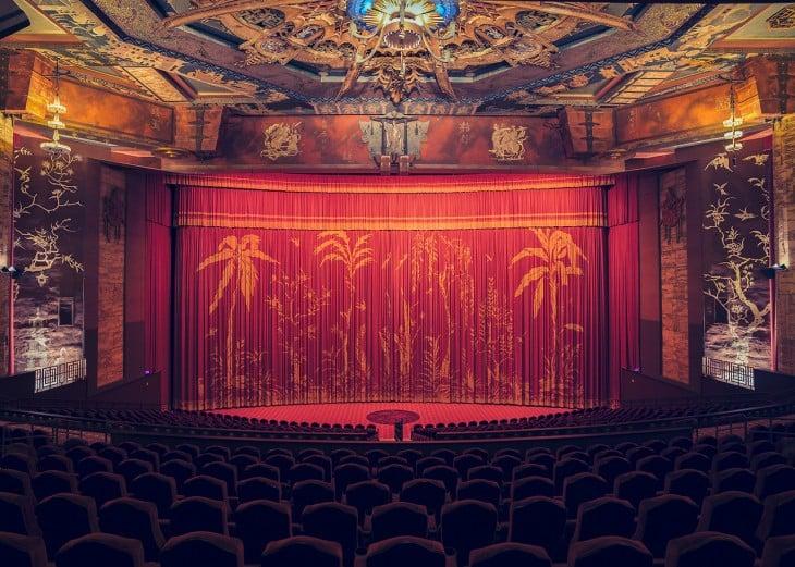 Teatro con adornos y estilo chino ubicado en Los Ángeles