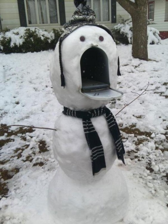 Muñeco de nieve  Con un buzón