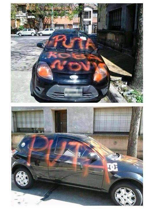 Carro negro con un mensaje puesto por una novia celosa