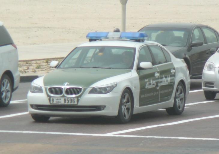 Patrulla vieja de dubai BMW