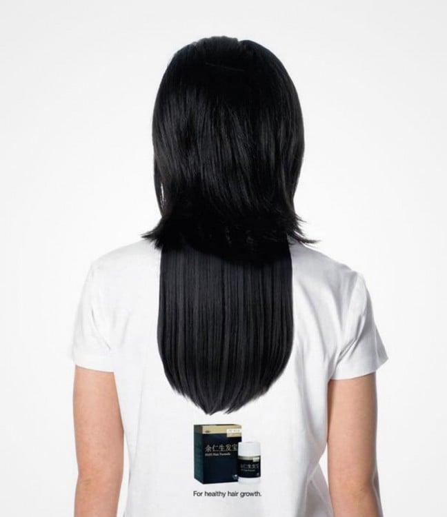 playera de la parte trasera con ilusión de cabello largo