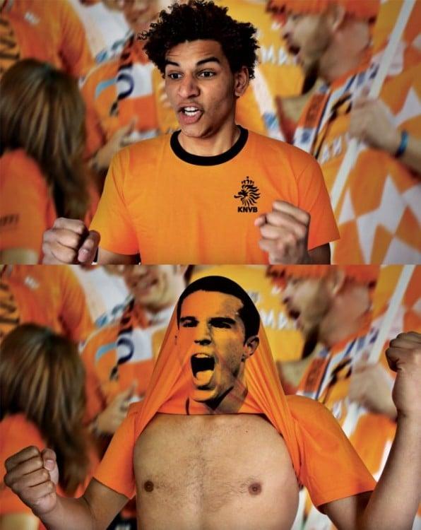 Aficionado con playera de color naranja que al subirse trae un a cara