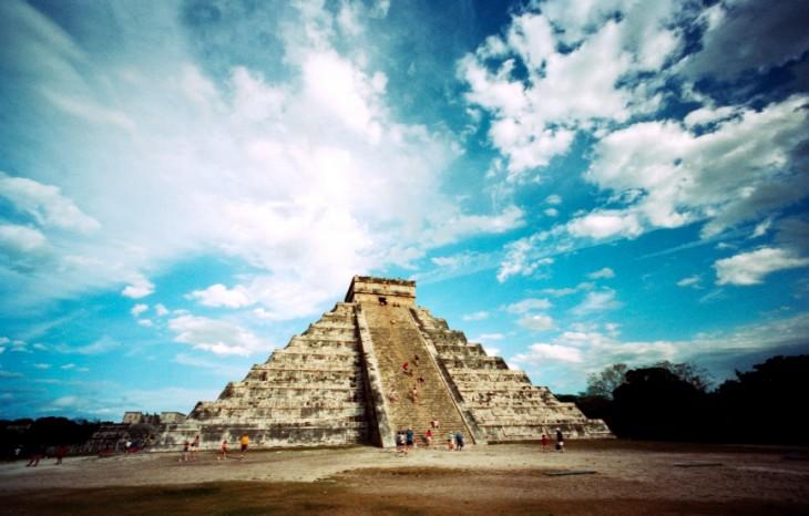 Foto de la piramide en Chichén Itzá, Yucatán, México