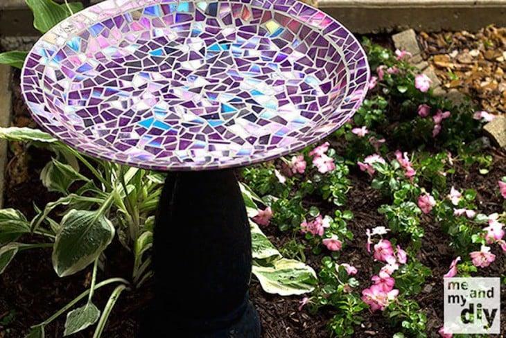 Pila para pájaros de mosaicos