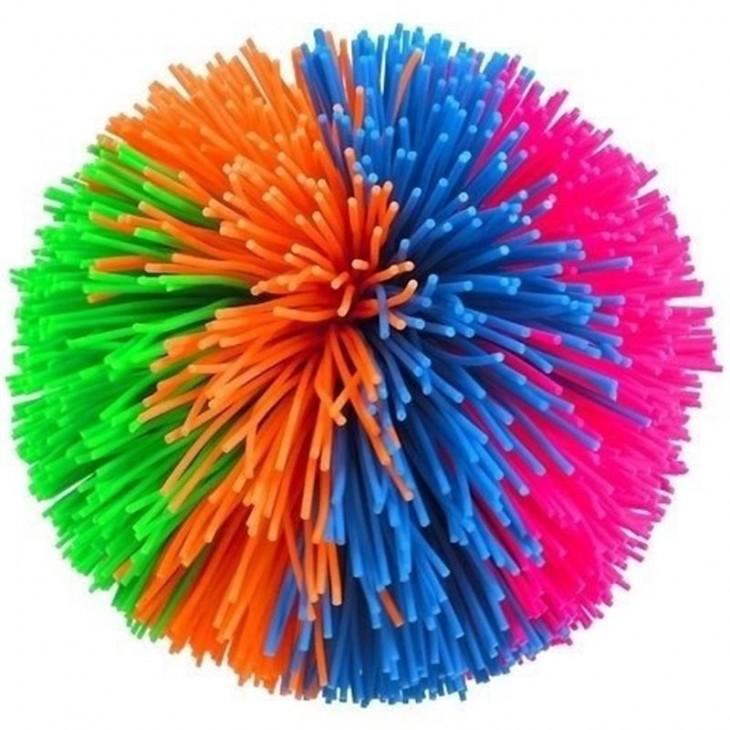 Pelotas con tiritas de colores