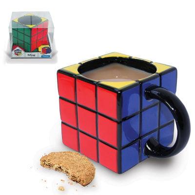Taza de café en forma de cubo de colores
