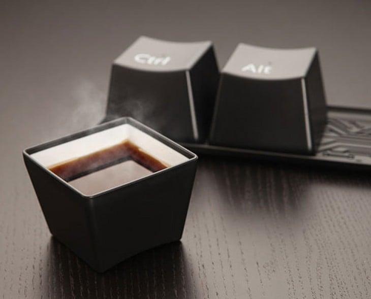 Tazas en forma de tecla en color negro