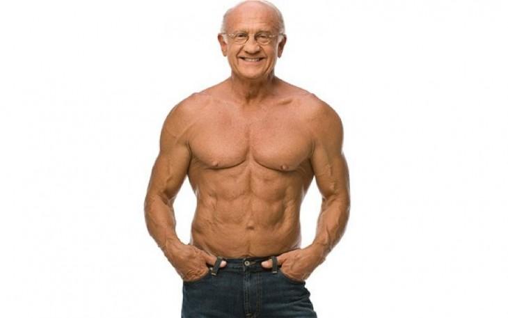 Hombre de la tercera edad con un cuerpo atlético