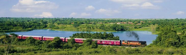 Tren Deccan Odyseey en un viaje