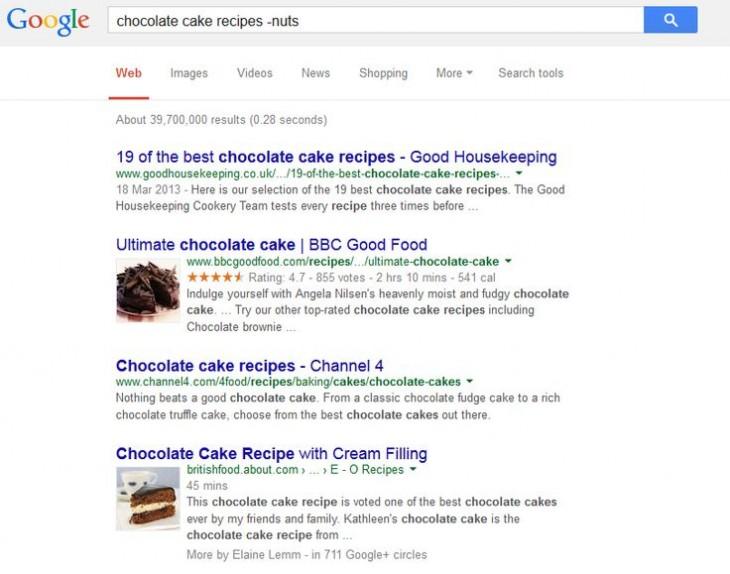 Captura de pantalla que muestra la búsqueda de recipientes para pasteles de chocolate y se muestra el ejemplo donde se reduce con un signo de menos