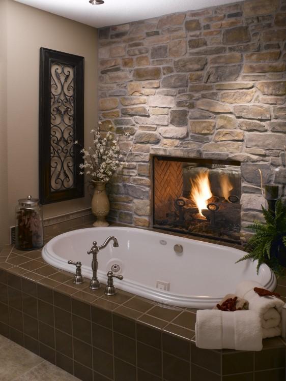 ducha con un lugar para fuego