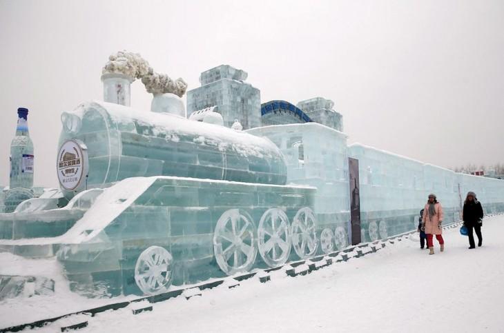 ferrocarril construido con hielo
