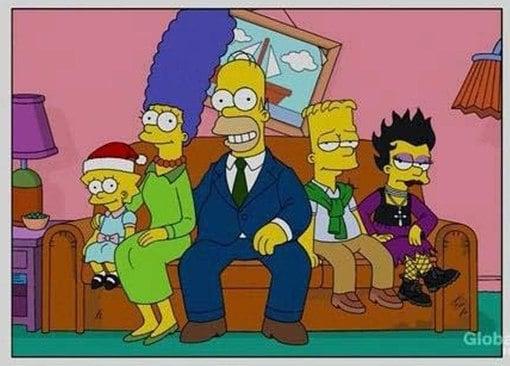 simpsons adolescentes en el sofá