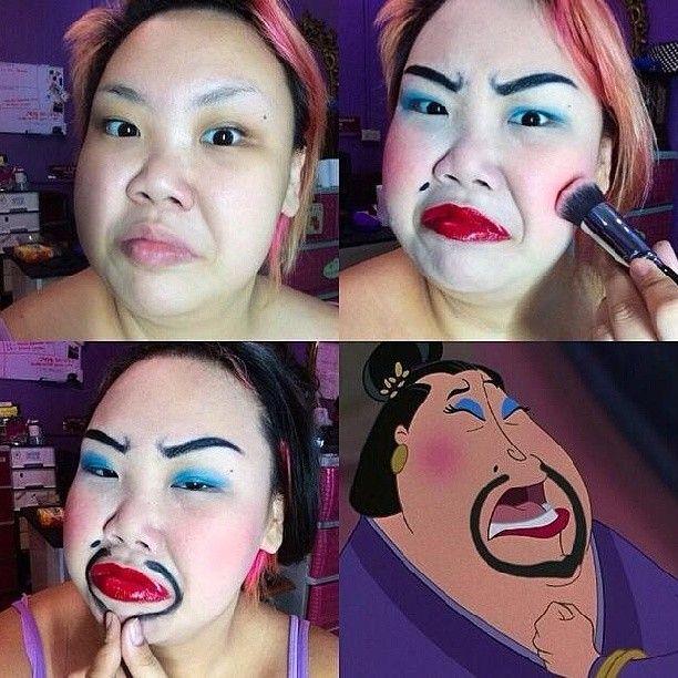 mujer maquillándose el rostro como personaje de película  infantil animada
