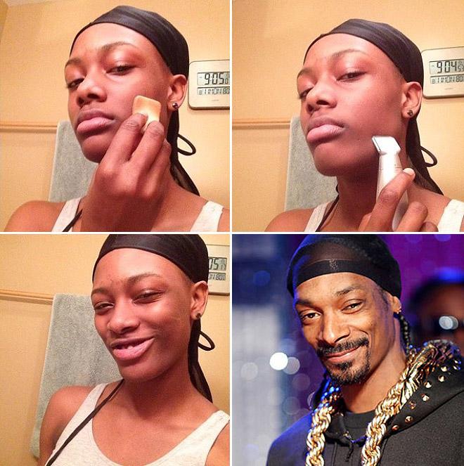 mujer poniéndose maquillaje u cadenas en el cuello
