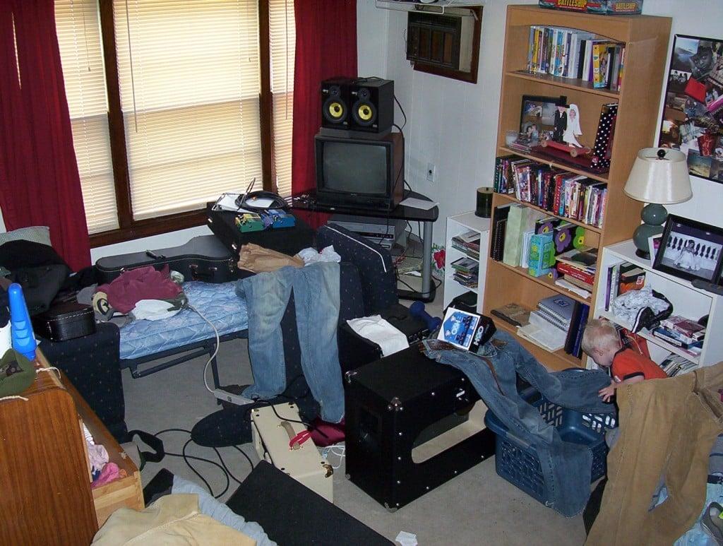 Personas que tienen un escritorio desordenado son creativas for Cuarto desordenado