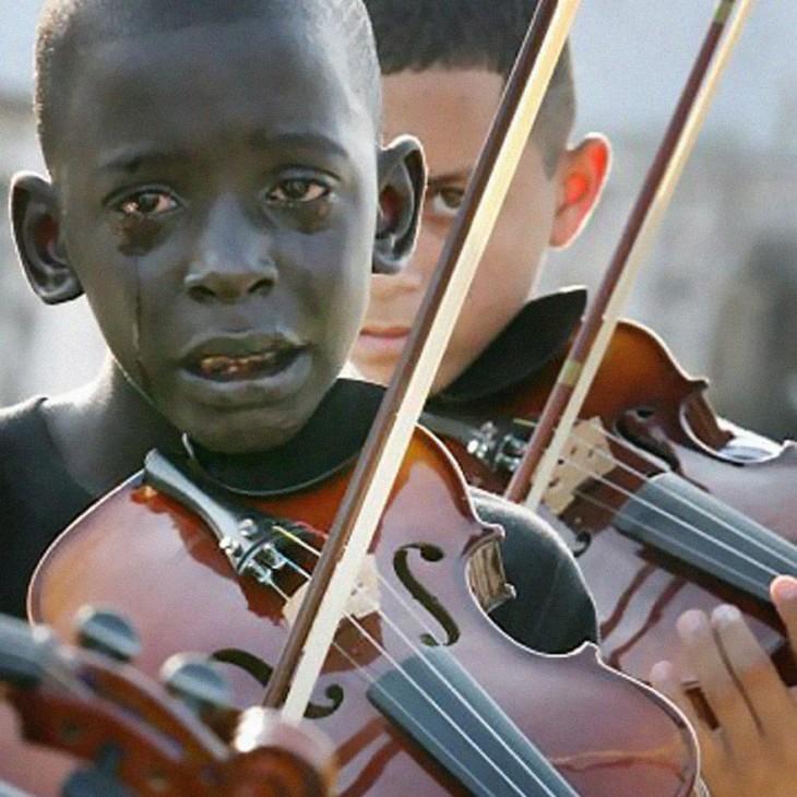 niño brasileño llorando mientras toca el violín