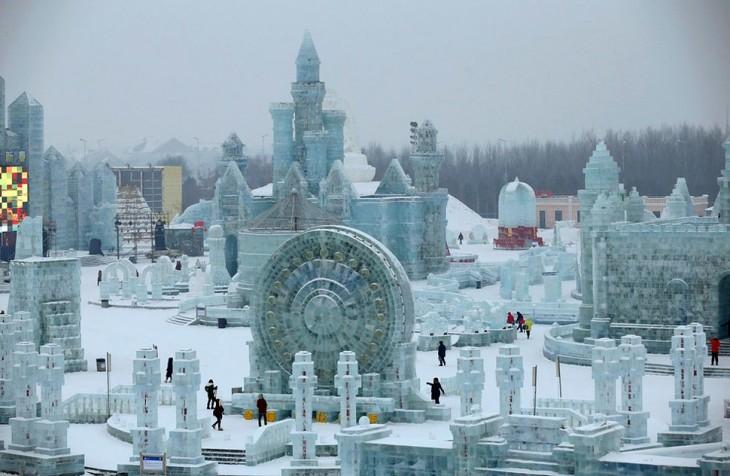 ciudad hecha con hielo y nieve
