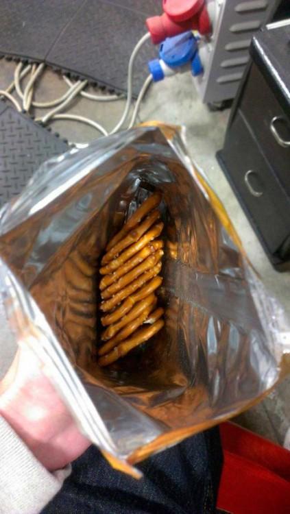 pretzels acomodados en una bolsa