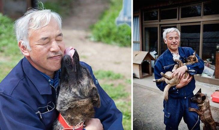 japones con perro de la calle