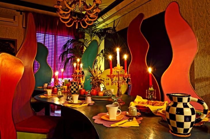 comedor de hotel con gran colorido