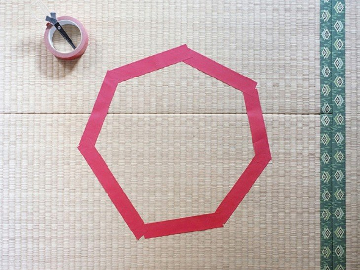 círculo color rosado en el piso
