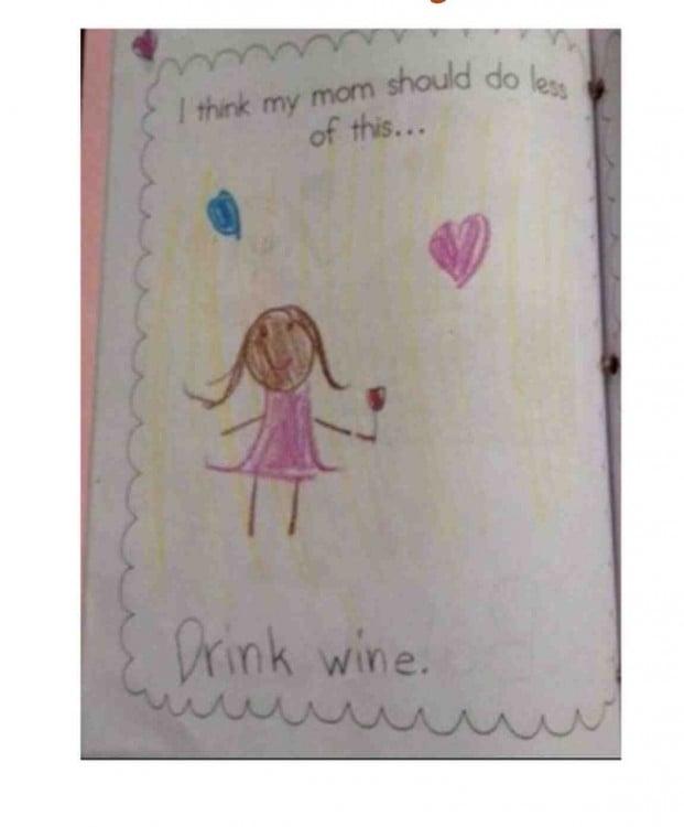 dibujo de una muñeca en un cuaderno