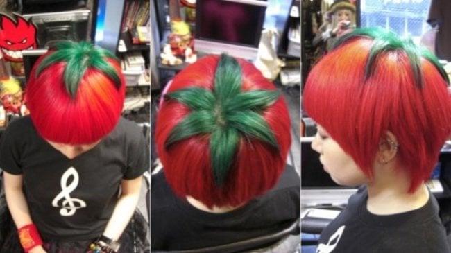 mujer con el cabello en forma de tomate