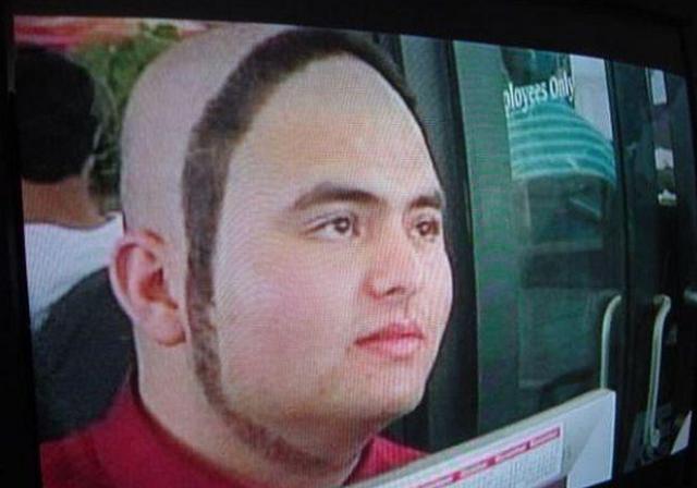 hombre con la barba y el cabello en 360°