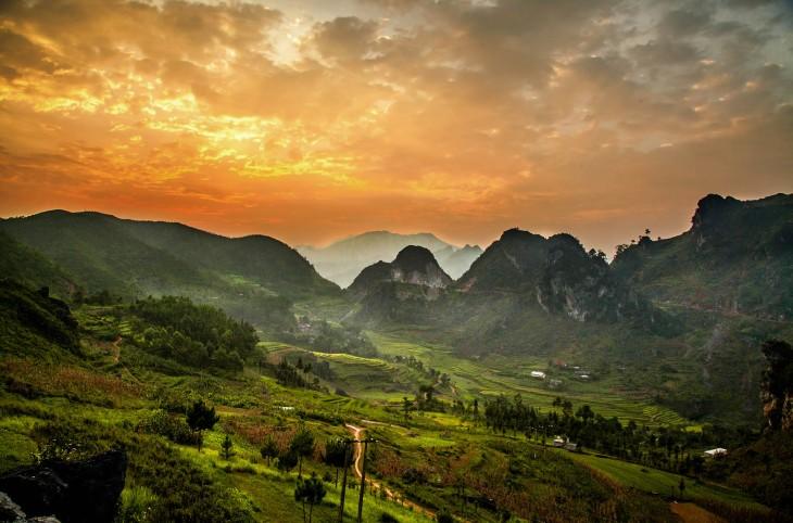 paisaje de cerros de vietnam