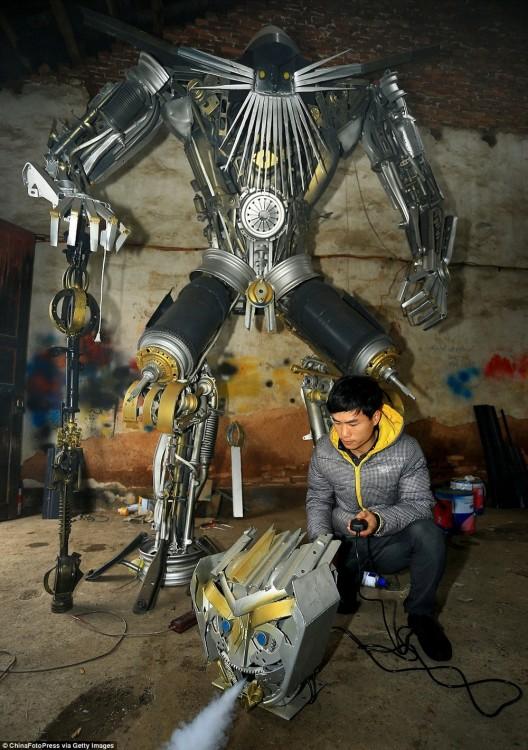 muchacho trabajando en un transformer