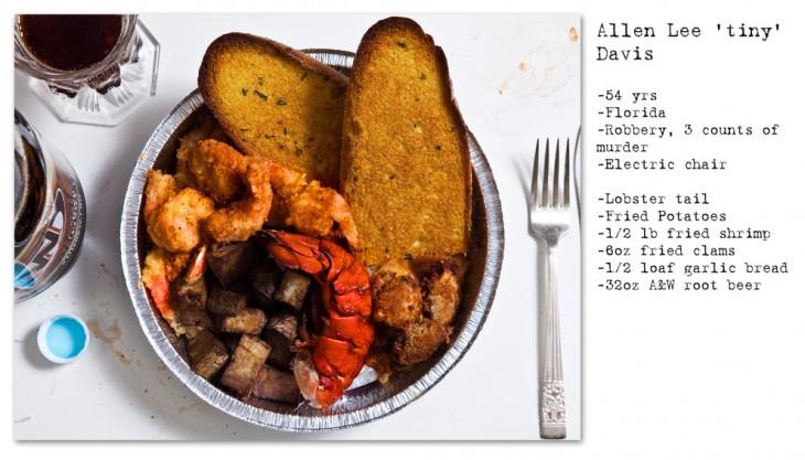 cola de langosta, camarones fritos, almejas, cerveza y patatas fritos