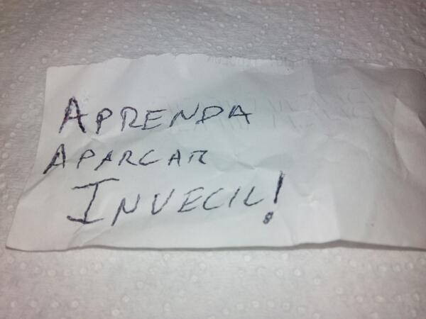 papel para el parabrisas escrito con mala ortografía