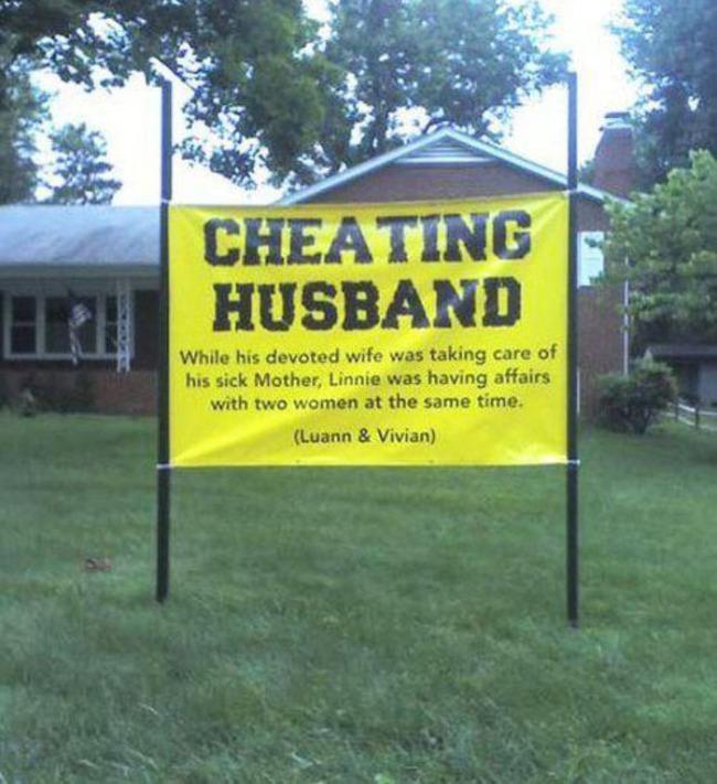 letrero de se vende casa por marido infiel