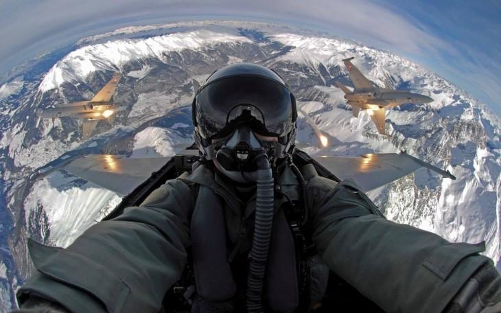 selfie de piloto ruso antes del ataque a los paises del medio oriente