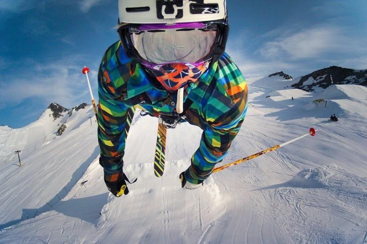calebn ferro esquiando en los andes