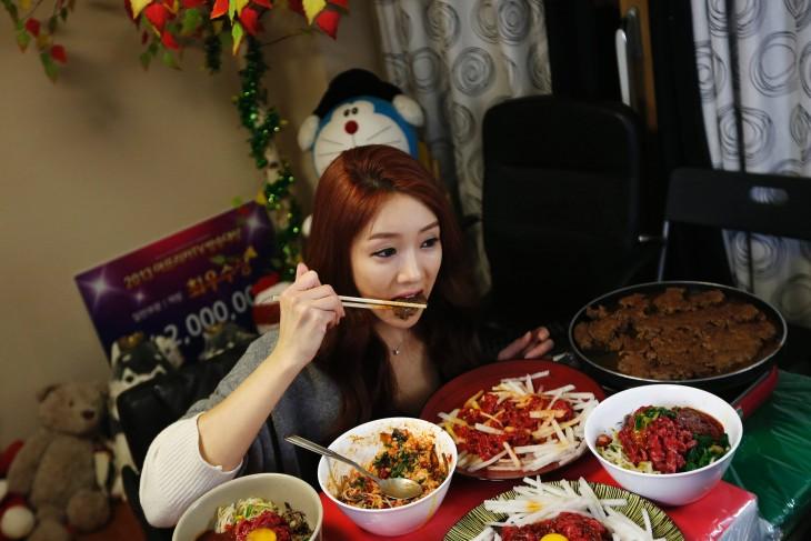 mujer tiene record guineess por comer mucho