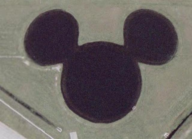 lago de mickey mouse