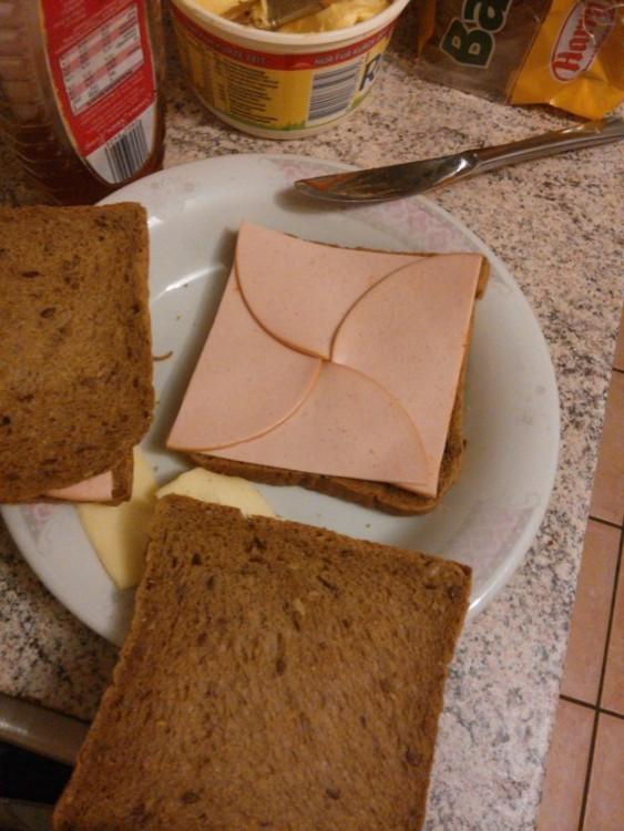 sandwich cortado perfectamente