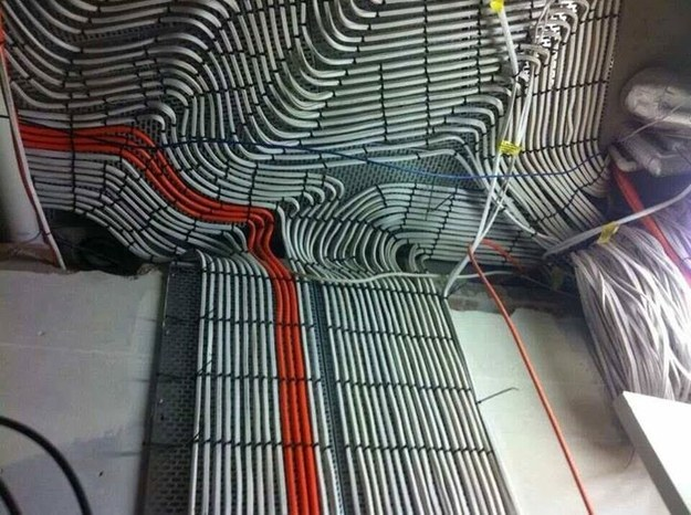 cablesperfectamente acomodados