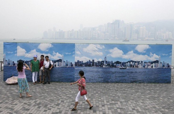 fake hong kong skyline per tourist