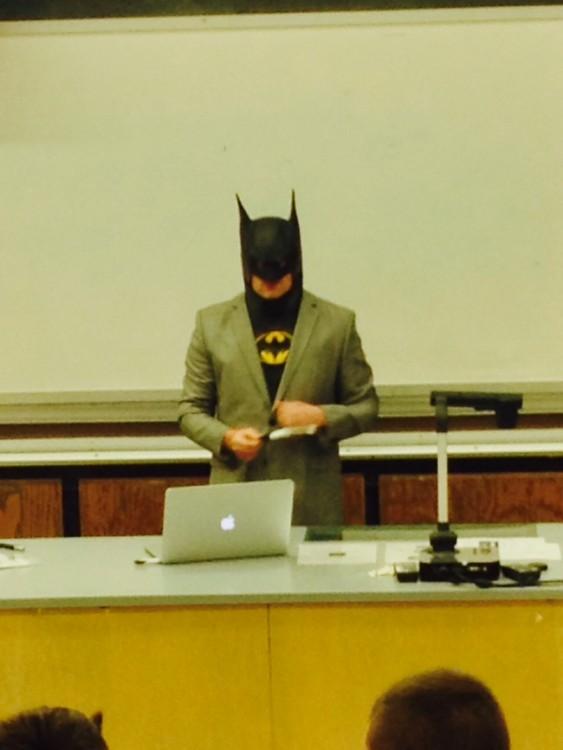 maestro disfrazado de batman